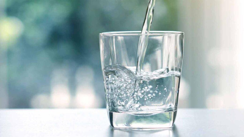 مصارف مختلف و متفاوت صنعتی آب ها مصرف آب در صنعتی و فعالیت های مرتبط با صنعت و آلودگی آب ها ناشی از آن ها